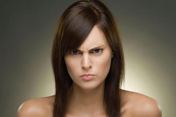 人が離れていく女性から、ついに夫の気持ちが離れ始めた
